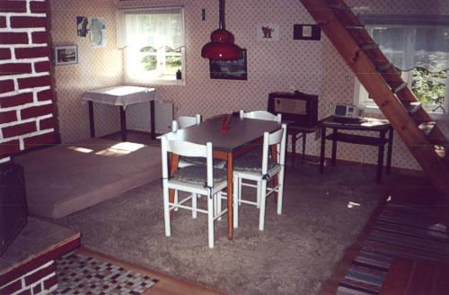lage und ausstattung der stuga. Black Bedroom Furniture Sets. Home Design Ideas